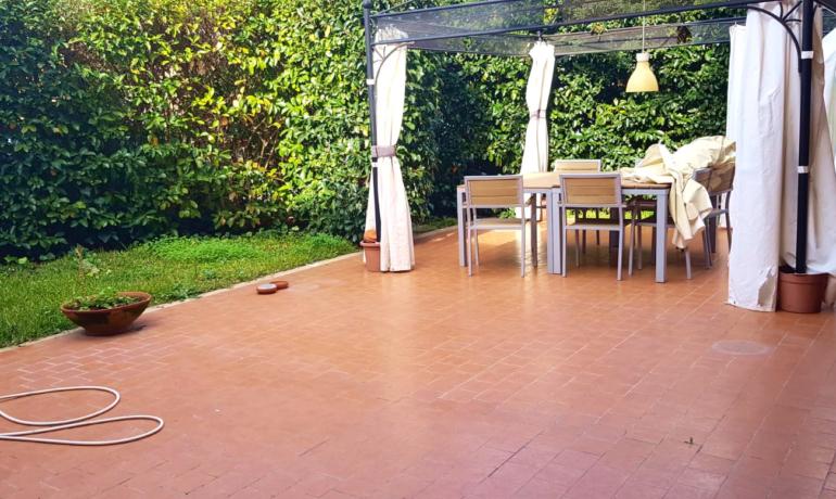 AMPIO 3 1/2 recente costruzione con terrazzo e giardino