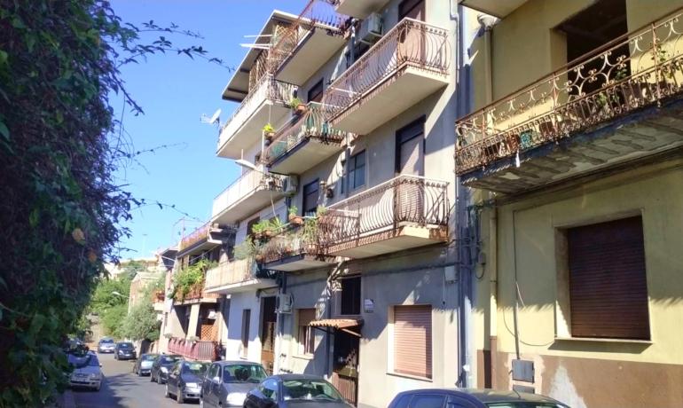 BARRIERA 2 vani con terrazzino a livello